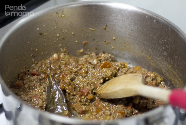 the sauce is ready when the meat is cooked and it's reduced and thickened a bit