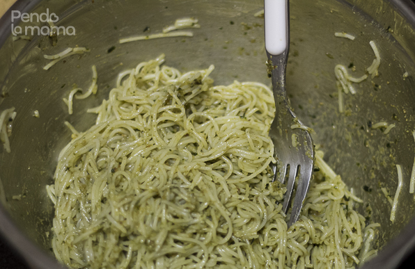 The capellini was now ready, so I coated it with pith the last remaining pesto